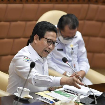 GUS Menteri Beberkan Program Prioritas Pembangunan Desa Pada Rapat Kerja Dengan DPR